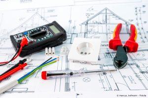Was Kostet Ein Elektriker : phasenpr fer elektrik elektriker und elektroniker ~ A.2002-acura-tl-radio.info Haus und Dekorationen